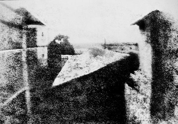 De eerste foto's door Joseph Nicéphore Niépce (1816)